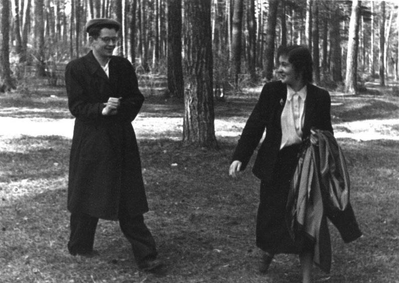 Валя и Лариса Берестовы. Калуга. 2.05.1955 г
