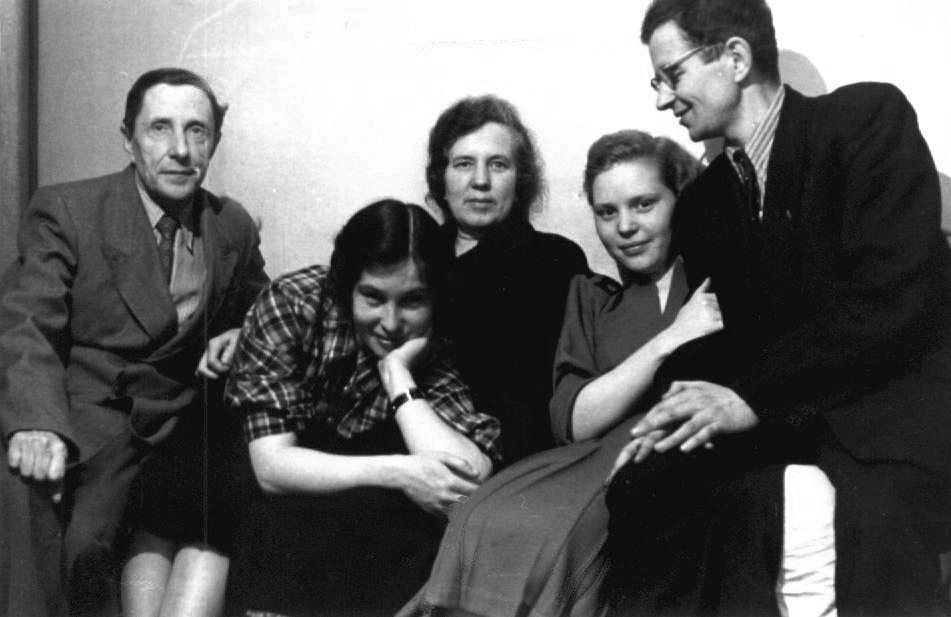 Дома у Берестовых. 2.05.1955