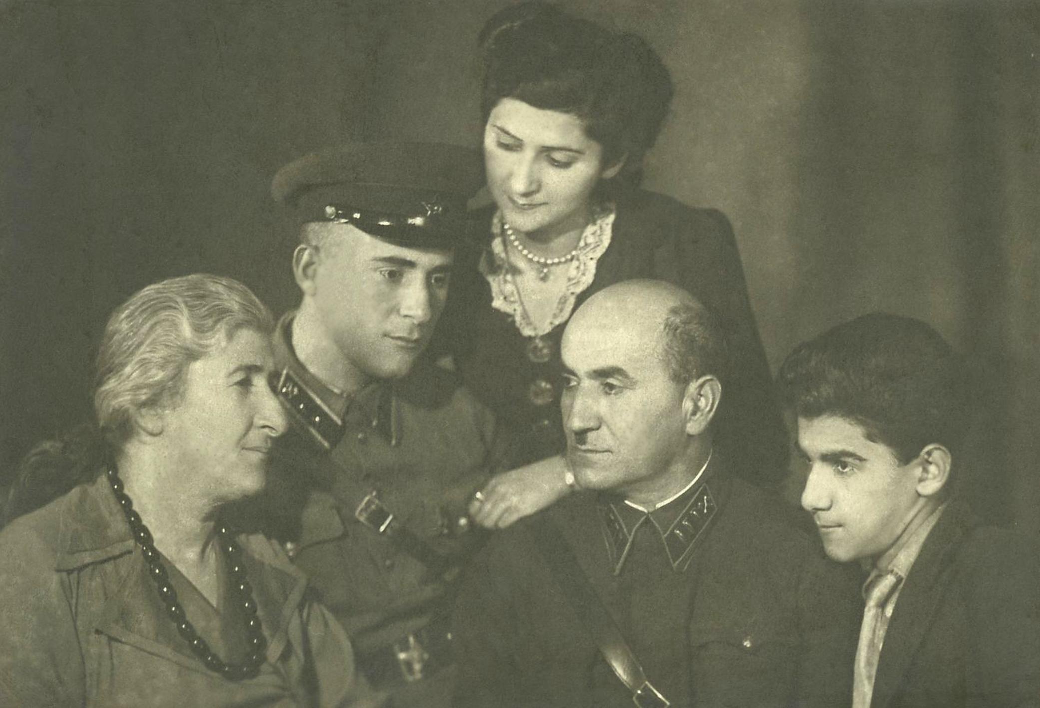 Семья Бабаевых