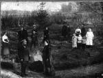 Дед Федор Телегин с семьей  в усадьбе Серебрено
