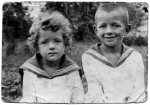 С братом Димой. 1936