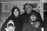 В. Берестов с дочерью и внуками