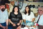 А.Чернов, М.Берестова, М.Игнатьева на берестовской кухне. Лето 1996